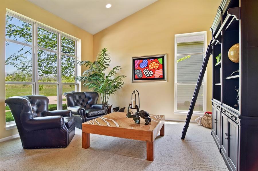 Real Estate Photography - 5485 Nicholson Dr., Hoffman Estates, IL, 60192 - Living Room