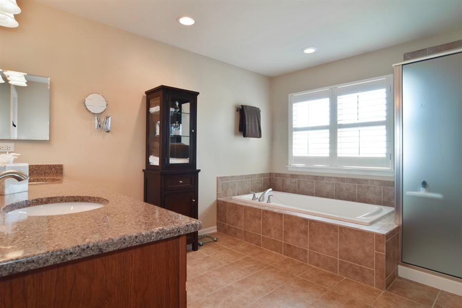 Real Estate Photography - 5485 Nicholson Dr., Hoffman Estates, IL, 60192 - Master Bathroom