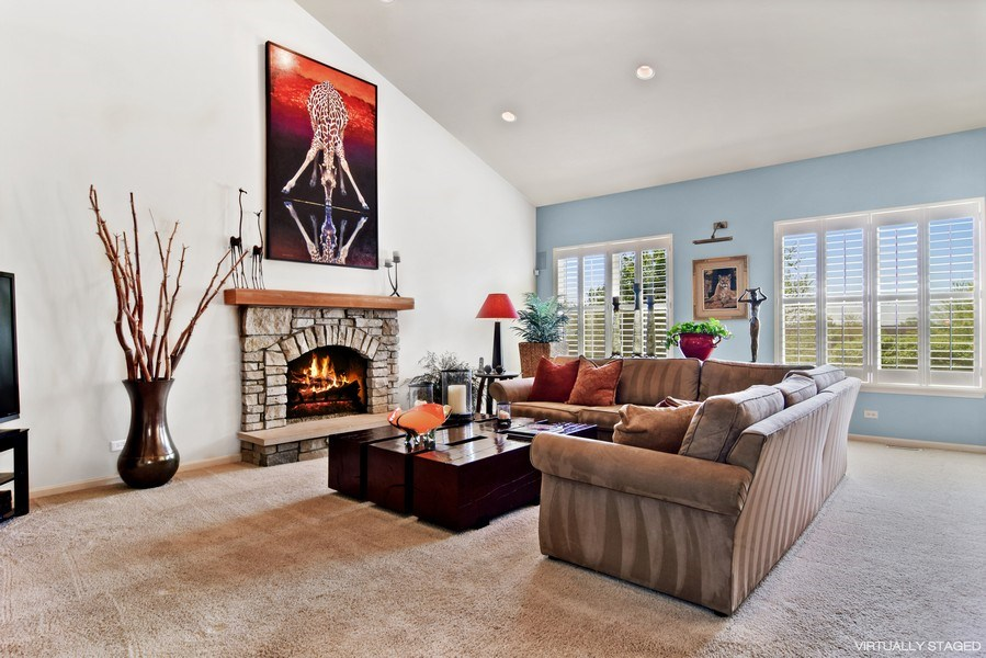 Real Estate Photography - 5485 Nicholson Dr., Hoffman Estates, IL, 60192 - Family Room