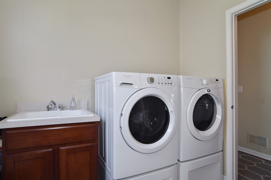 Real Estate Photography - 5485 Nicholson Dr., Hoffman Estates, IL, 60192 - Laundry Room