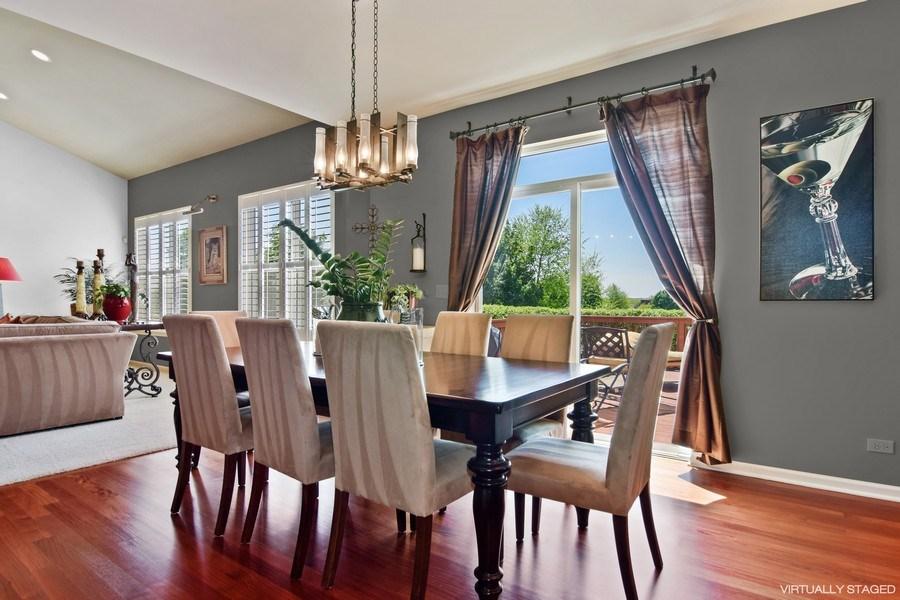 Real Estate Photography - 5485 Nicholson Dr., Hoffman Estates, IL, 60192 - Breakfast Nook