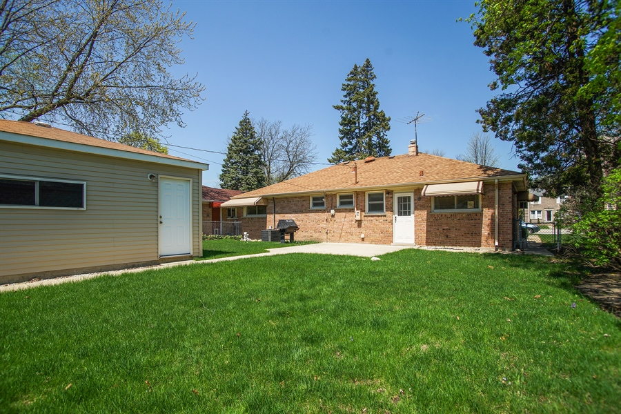Real Estate Photography - 659 E Thacker Street, Des Plaines, IL, 60016 - Back Yard