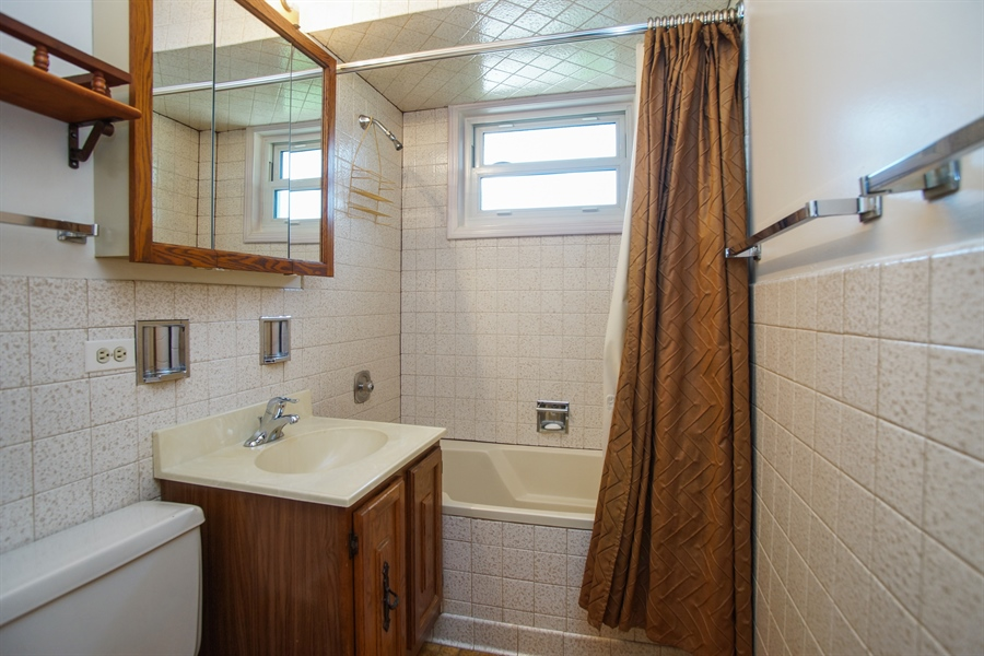 Real Estate Photography - 659 E Thacker Street, Des Plaines, IL, 60016 - Bathroom