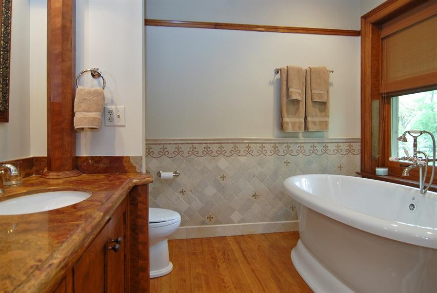 Real Estate Photography - 422 Forest Avenue, Oak Park, IL, 60302 - Master Bath Soaking Tub