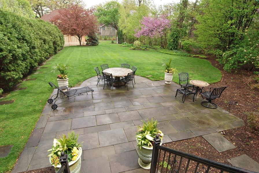 Real Estate Photography - 422 Forest Avenue, Oak Park, IL, 60302 - Park-like Back Lawn