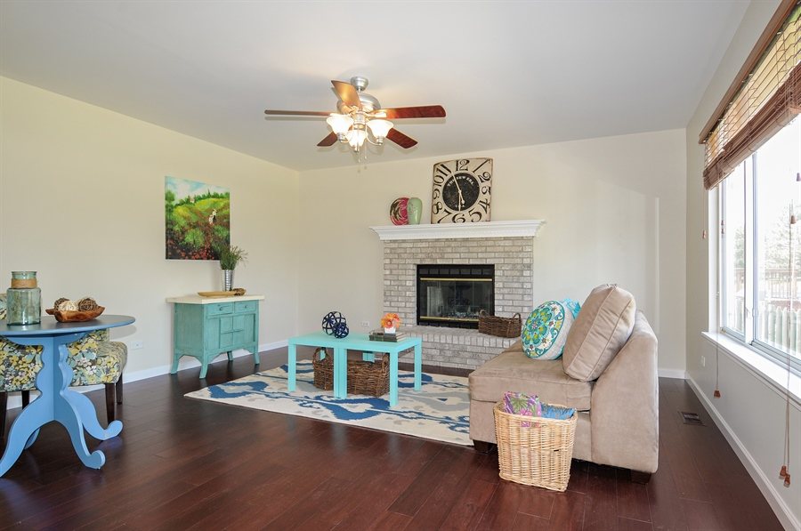 Real Estate Photography - 6147 Southridge Dr, Plainfield, IL, 60586 - Family Room