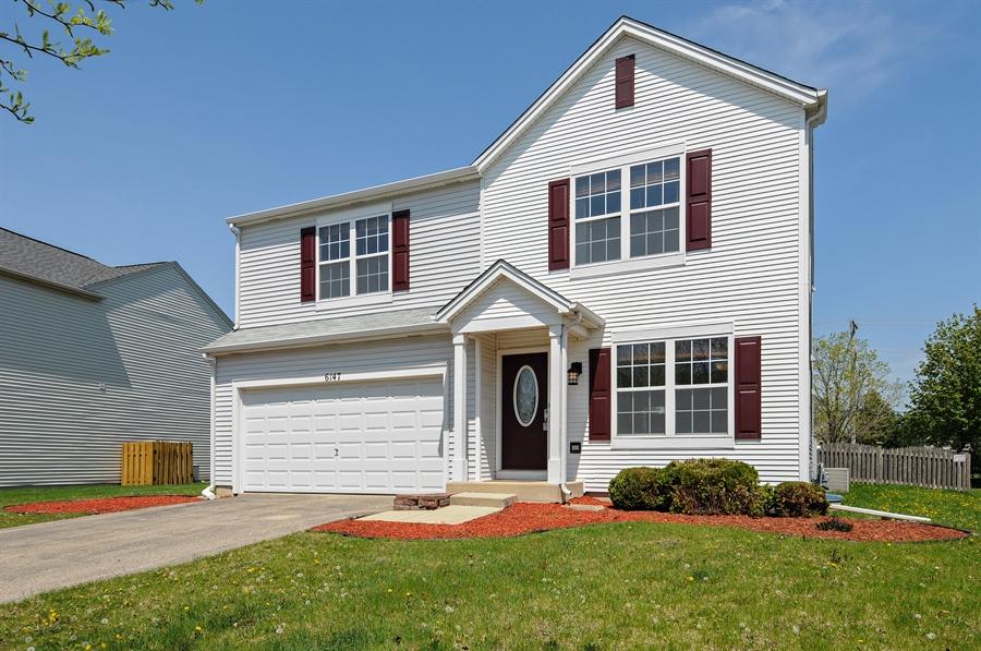 Real Estate Photography - 6147 Southridge Dr, Plainfield, IL, 60586 - Front View