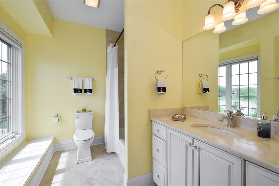 Real Estate Photography - 38 Wescott Dr, South Barrington, IL, 60010 - 3rd Bathroom