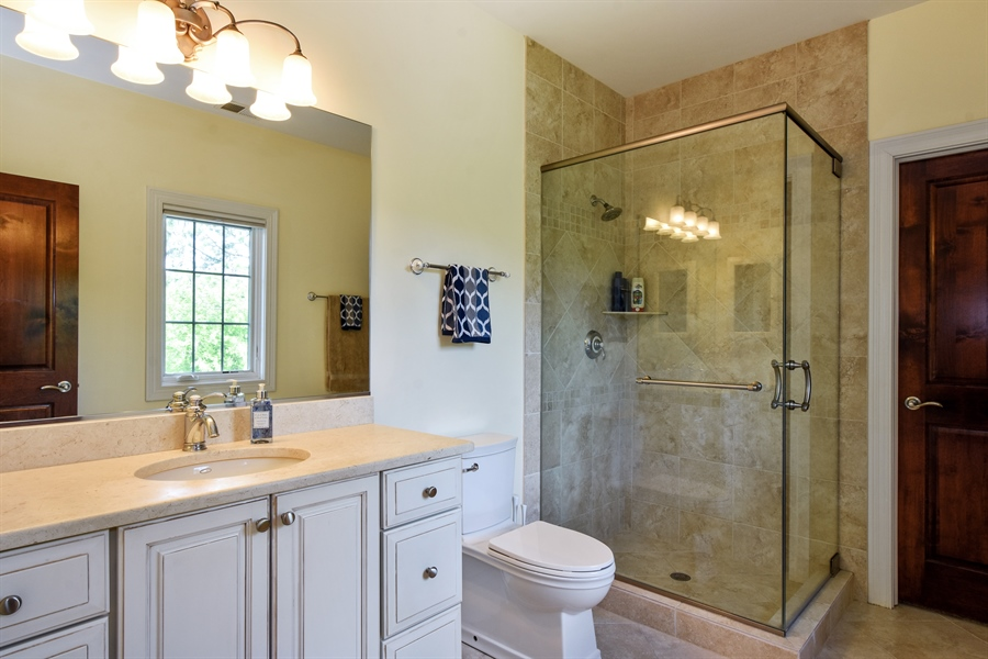 Real Estate Photography - 38 Wescott Dr, South Barrington, IL, 60010 - 4th Bathroom