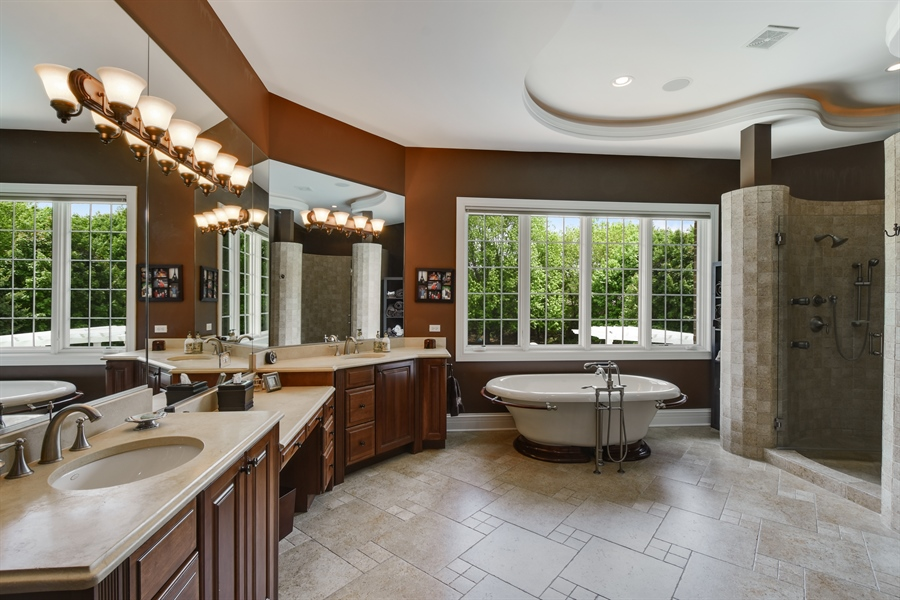 Real Estate Photography - 38 Wescott Dr, South Barrington, IL, 60010 - Master Bathroom