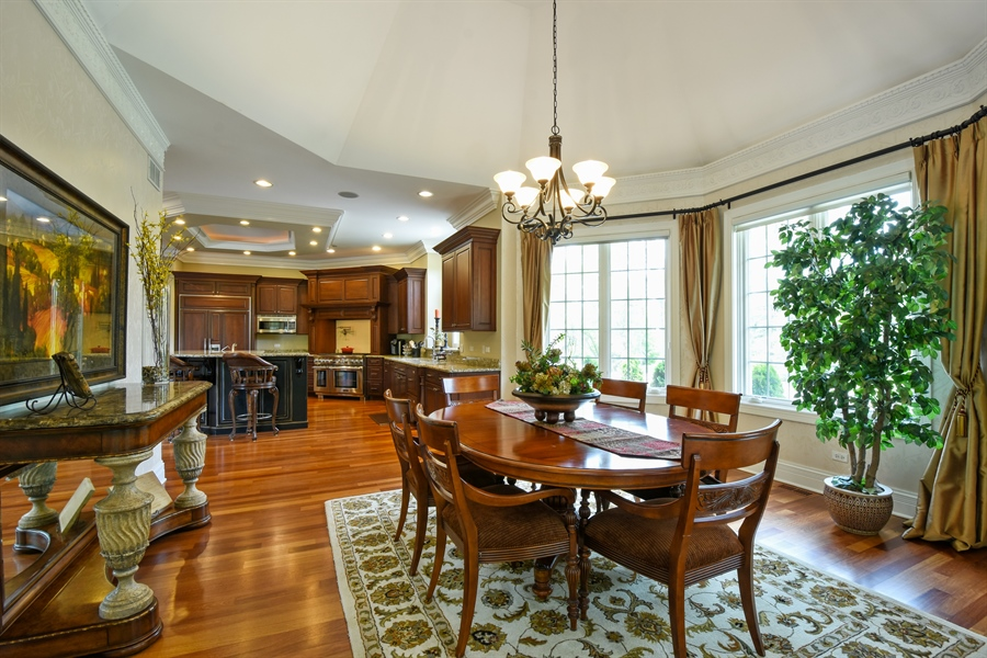 Real Estate Photography - 38 Wescott Dr, South Barrington, IL, 60010 - Kitchen / Breakfast Room