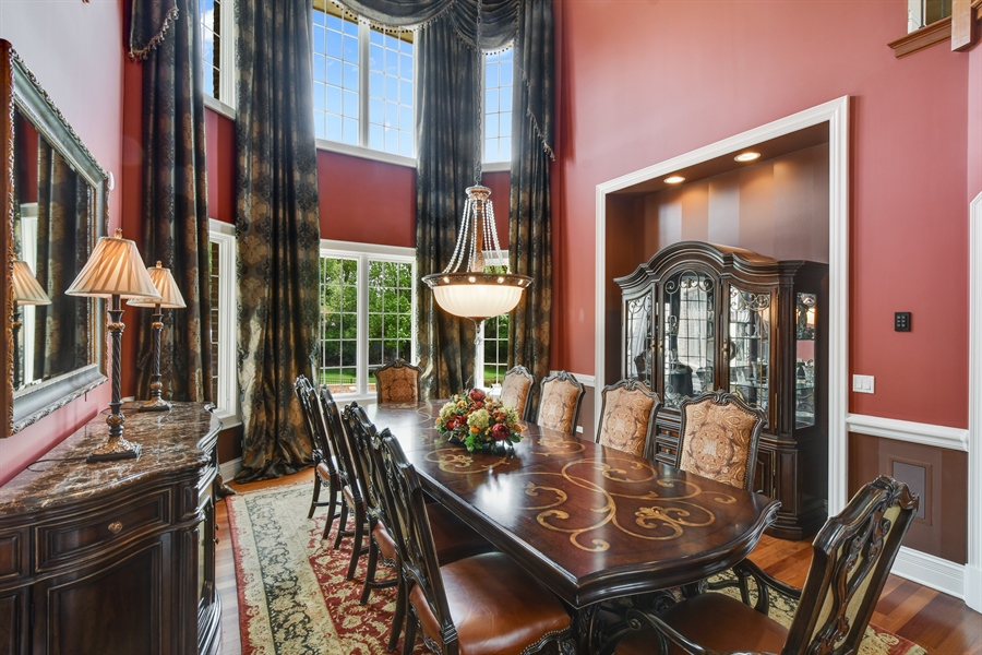 Real Estate Photography - 38 Wescott Dr, South Barrington, IL, 60010 - Dining Room