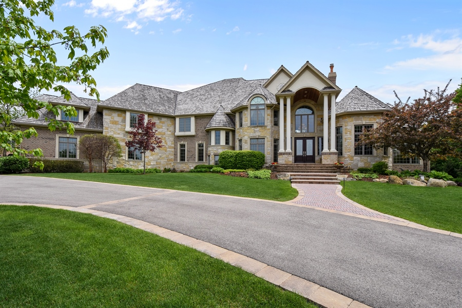 Real Estate Photography - 38 Wescott Dr, South Barrington, IL, 60010 - Front View