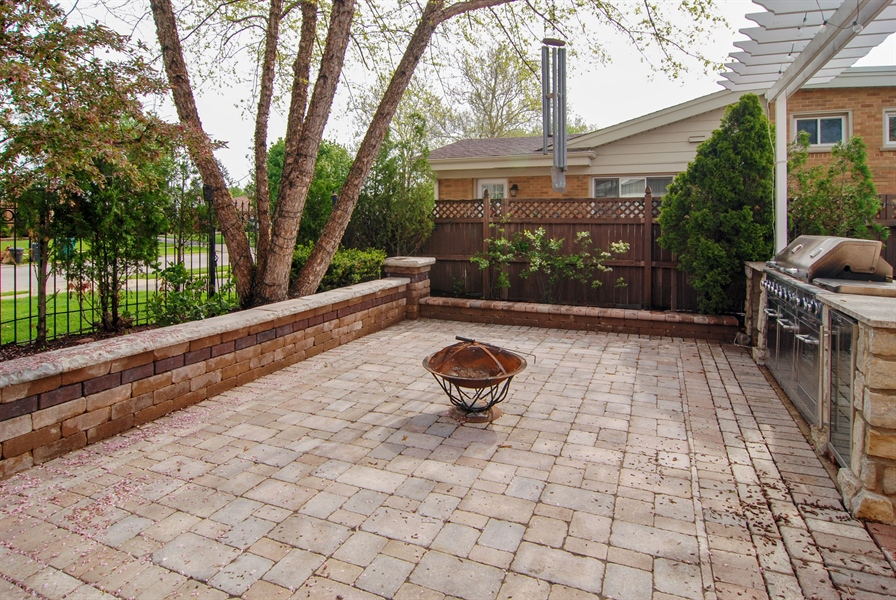 Real Estate Photography - 2401 Martindale, Westchester, IL, 60154 - Back Yard