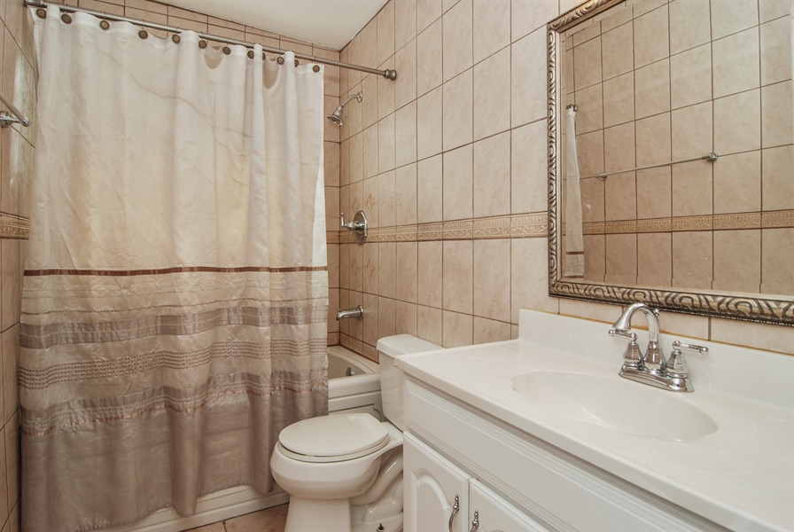 Real Estate Photography - 2401 Martindale, Westchester, IL, 60154 - Bathroom