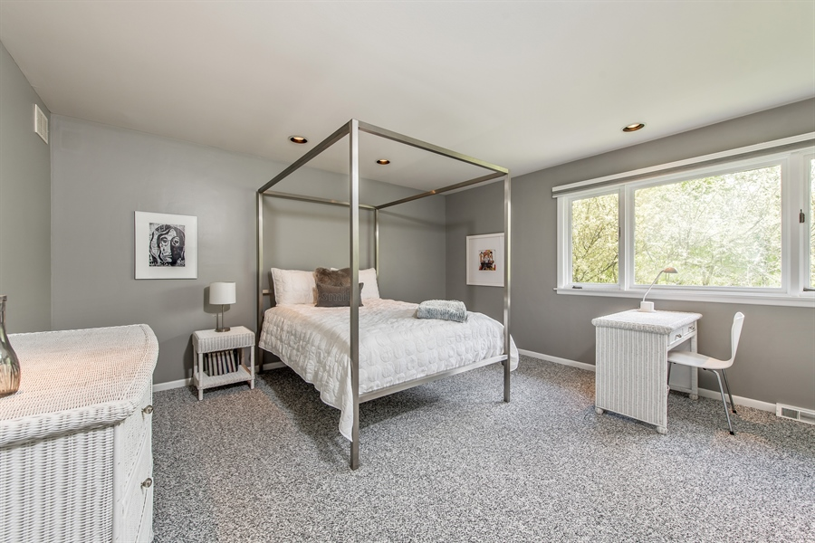 Real Estate Photography - 539 Dundee Rd, Glencoe, IL, 60022 - 2nd Bedroom