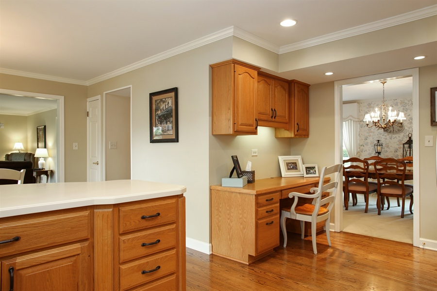 Real Estate Photography - 2808 Mill Creek Ln., Rolling Meadows, IL, 60008 - Kitchen