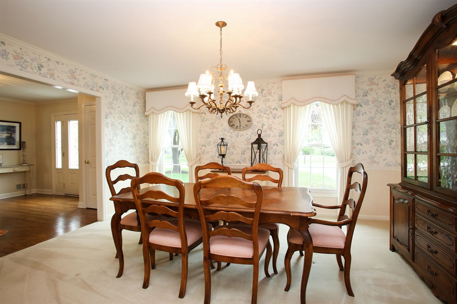 Real Estate Photography - 2808 Mill Creek Ln., Rolling Meadows, IL, 60008 - Dining Room