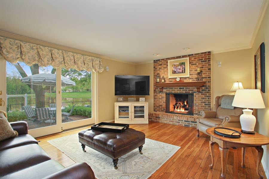 Real Estate Photography - 2808 Mill Creek Ln., Rolling Meadows, IL, 60008 - Family Room