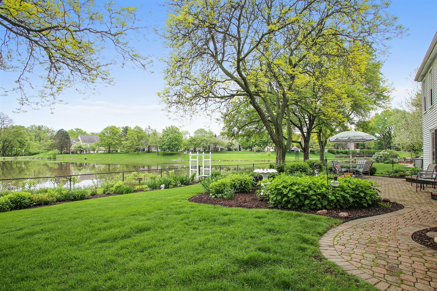 Real Estate Photography - 2808 Mill Creek Ln., Rolling Meadows, IL, 60008 - Side View