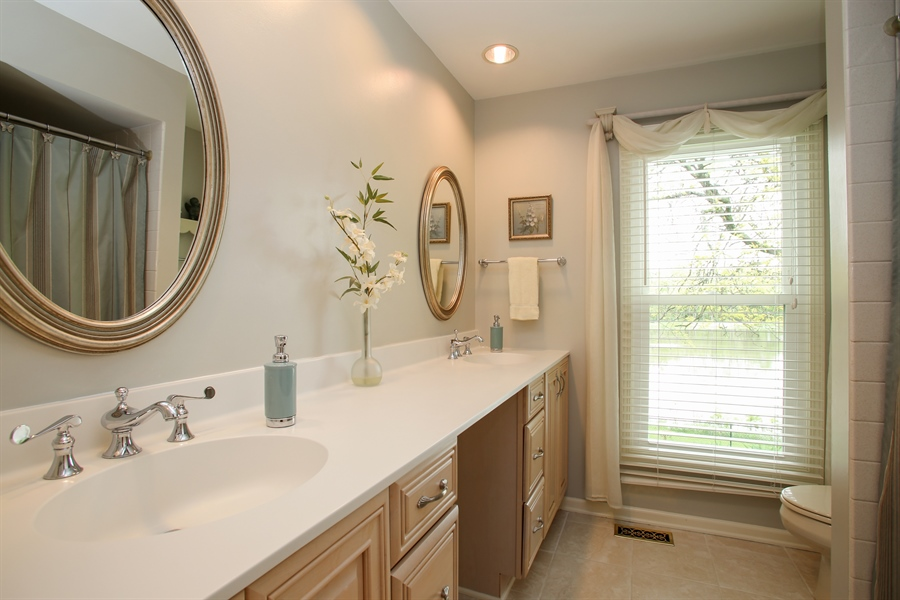 Real Estate Photography - 2808 Mill Creek Ln., Rolling Meadows, IL, 60008 - Bathroom