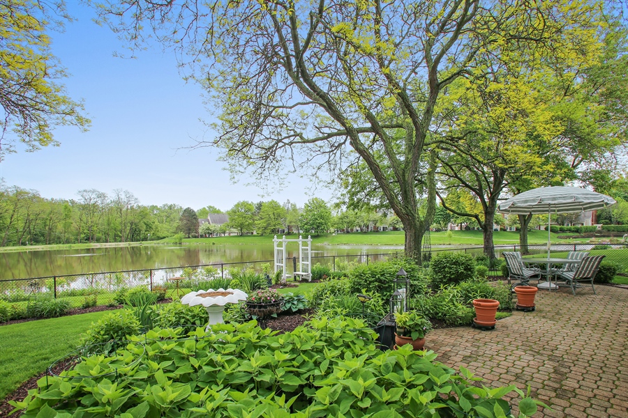 Real Estate Photography - 2808 Mill Creek Ln., Rolling Meadows, IL, 60008 - Patio
