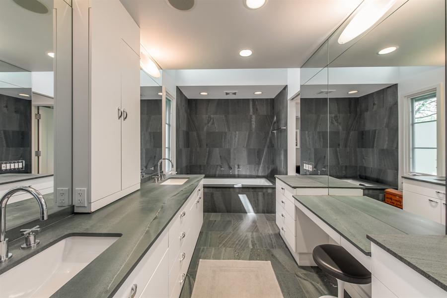 Real Estate Photography - 136 Beach, Glencoe, IL, 60022 - Master Bathroom