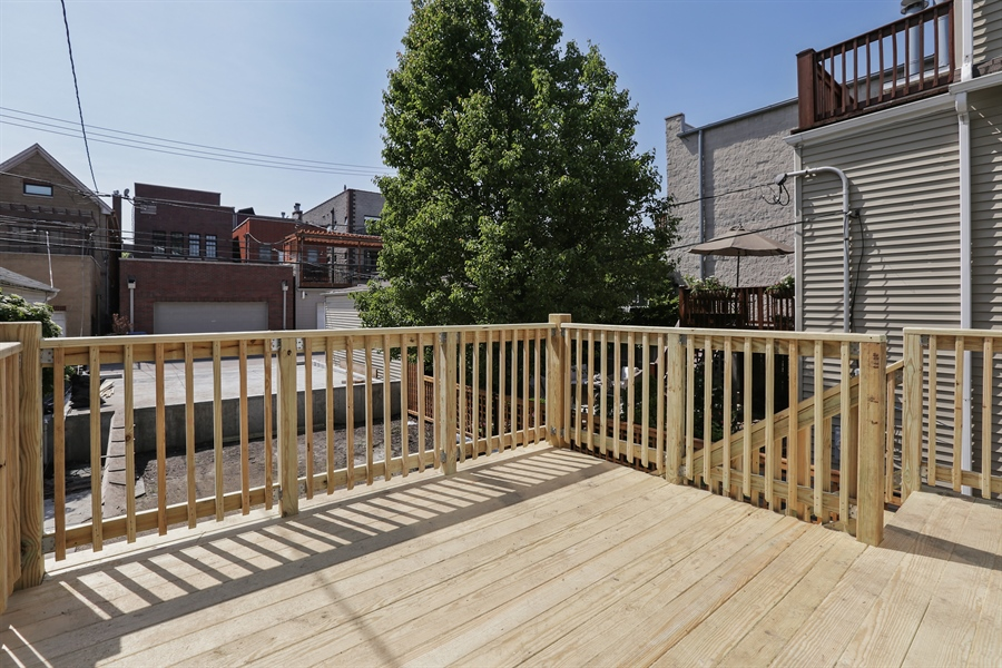 Real Estate Photography - 2662 N Marshfield Ave, Chicago, IL, 60614 - Deck