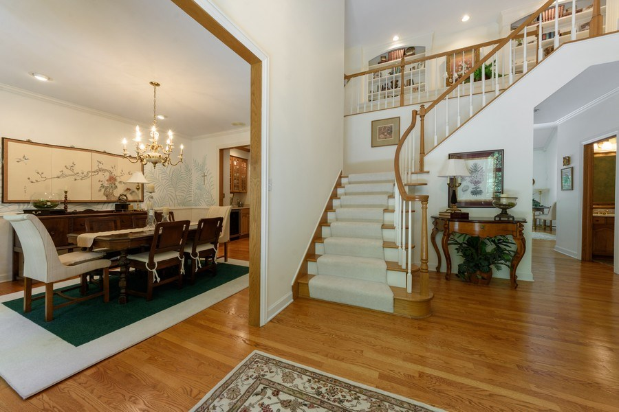 Real Estate Photography - 1 Burning Oak Trail, Barrington Hills, IL, 60010 - Two story Entry