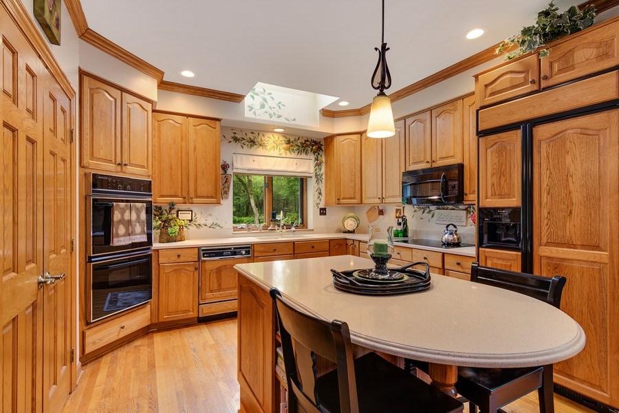 Real Estate Photography - 1 Burning Oak Trail, Barrington Hills, IL, 60010 - Kitchen