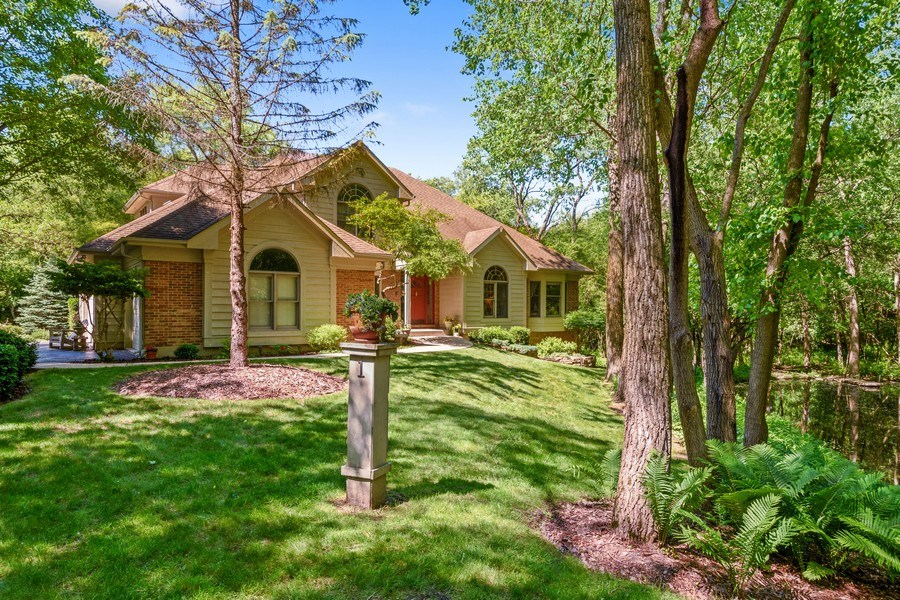 Real Estate Photography - 1 Burning Oak Trail, Barrington Hills, IL, 60010 - Private Wooded Setting with Pond and Stream