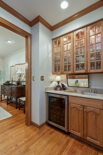 Real Estate Photography - 1 Burning Oak Trail, Barrington Hills, IL, 60010 - Wet Bar