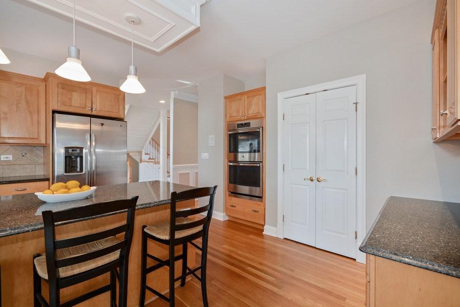 Real Estate Photography - 2702 Royal Fox Dr, Saint Charles, IL, 60174 - Kitchen
