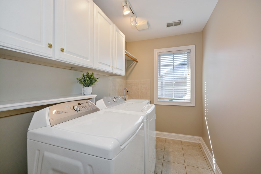 Real Estate Photography - 2702 Royal Fox Dr, Saint Charles, IL, 60174 - Laundry Room