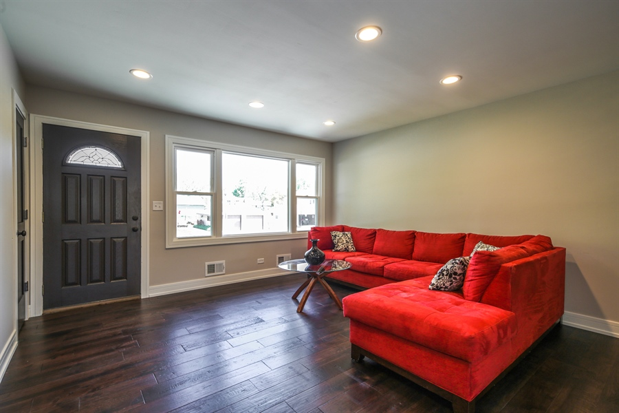 Real Estate Photography - 292 E Fullerton, Elmhurst, IL, 60126 - Family Room