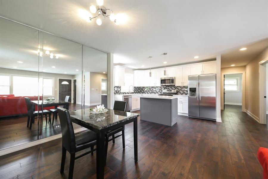 Real Estate Photography - 292 E Fullerton, Elmhurst, IL, 60126 - Breakfast Area