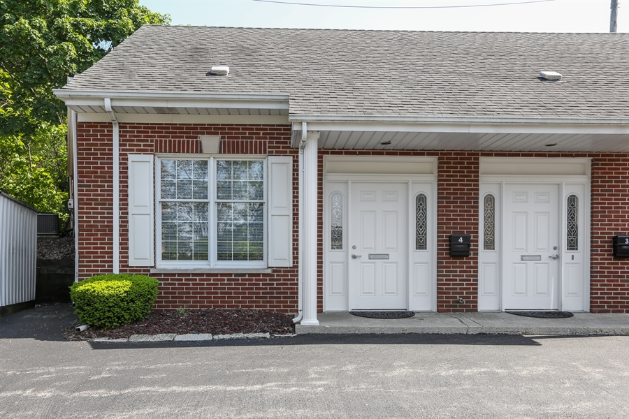 Real Estate Photography - 5201 Washington, Unit 4, Downers Grove, IL, 60515 - Front View