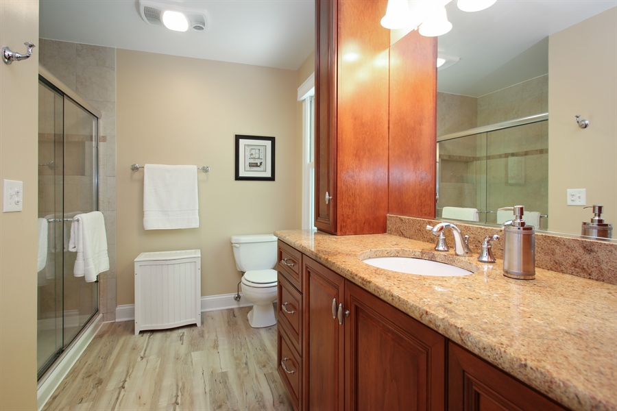 Real Estate Photography - 5408 Groveside Ln., Rolling Meadows, IL, 60008 - Master Bathroom