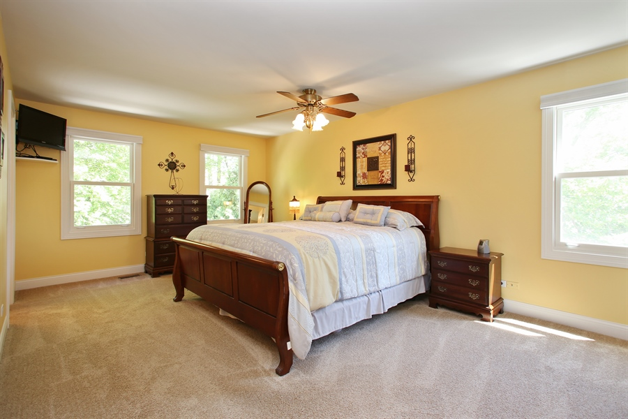 Real Estate Photography - 5408 Groveside Ln., Rolling Meadows, IL, 60008 - Master Bedroom