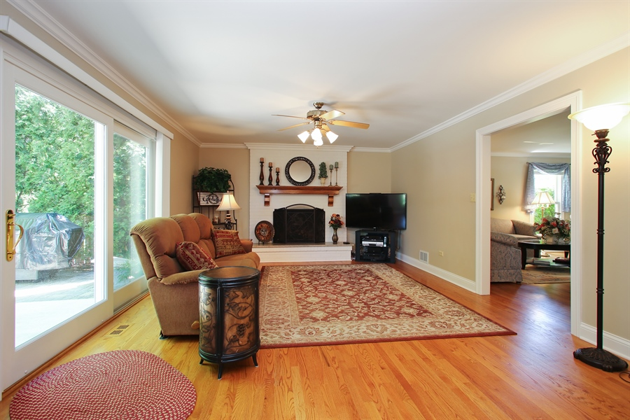 Real Estate Photography - 5408 Groveside Ln., Rolling Meadows, IL, 60008 - Family Room