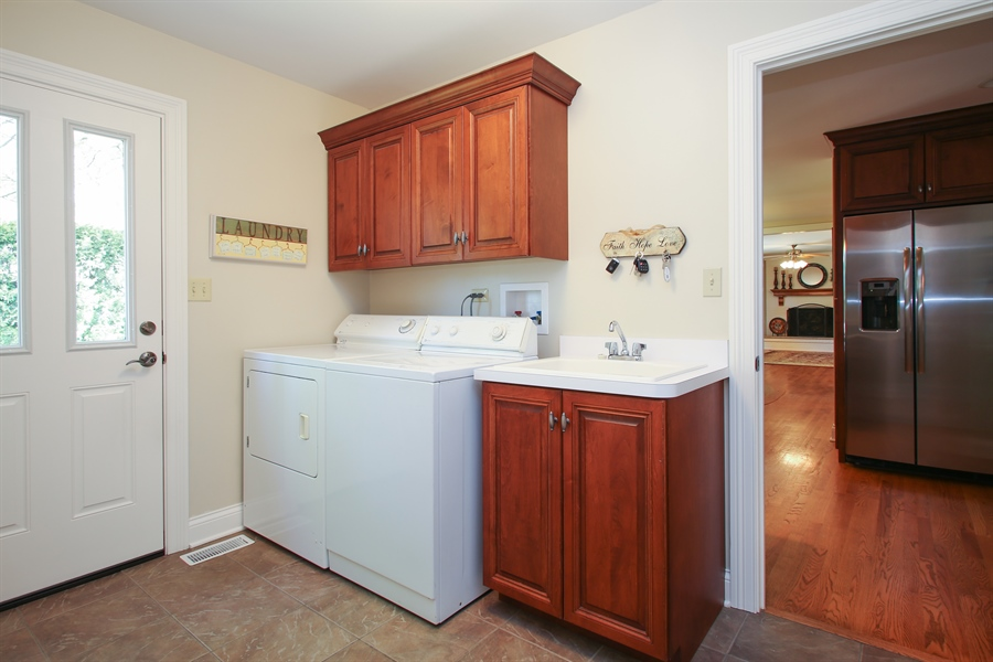Real Estate Photography - 5408 Groveside Ln., Rolling Meadows, IL, 60008 - Laundry Room