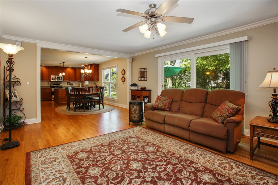 Real Estate Photography - 5408 Groveside Ln., Rolling Meadows, IL, 60008 - Family Room / Kitchen