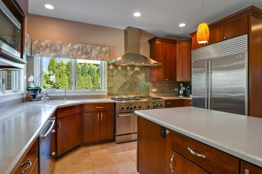Real Estate Photography - 848 W Kenilworth, Palatine, IL, 60067 - Kitchen