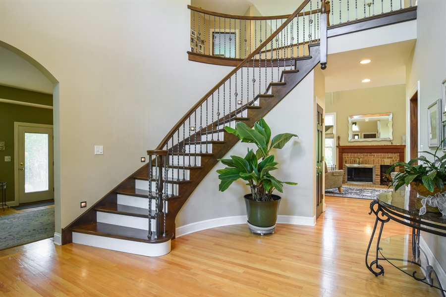 Real Estate Photography - 848 W Kenilworth, Palatine, IL, 60067 - Foyer
