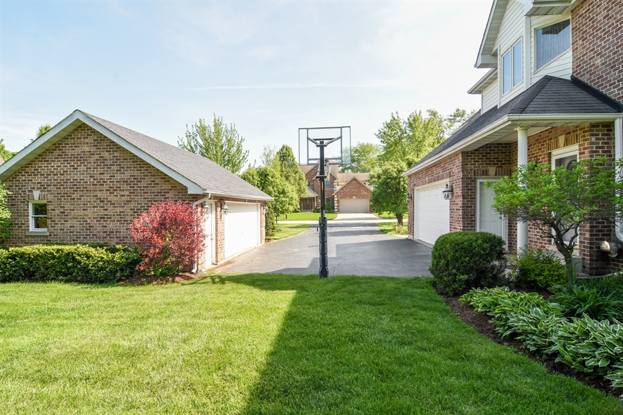Real Estate Photography - 848 W Kenilworth, Palatine, IL, 60067 - Garage