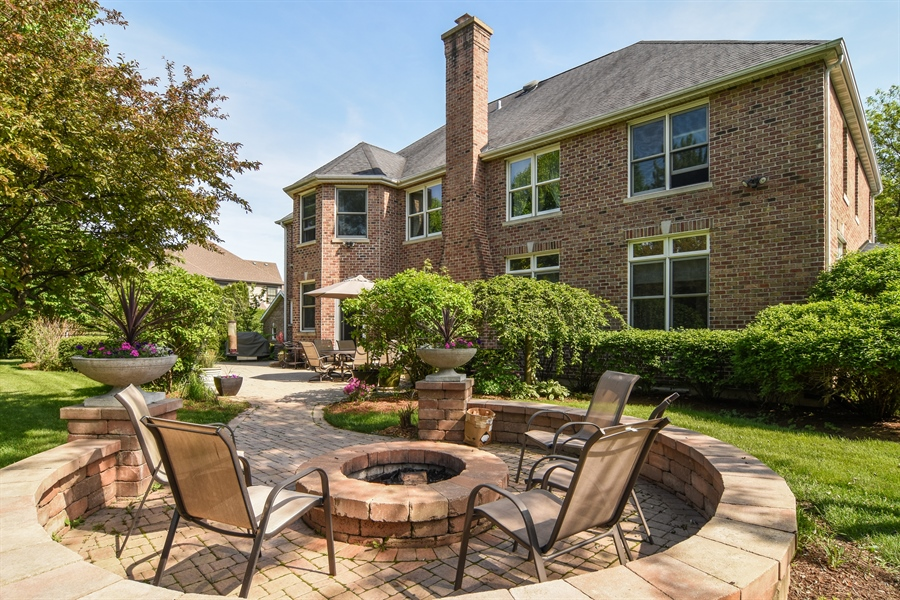 Real Estate Photography - 848 W Kenilworth, Palatine, IL, 60067 - Side View