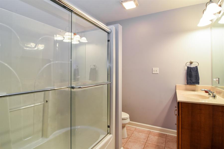 Real Estate Photography - 848 W Kenilworth, Palatine, IL, 60067 - Bathroom
