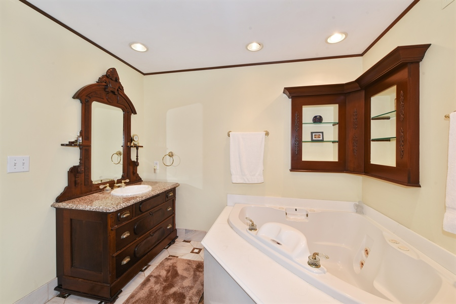 Real Estate Photography - 82 Baybrook Lane, Oak Brook, IL, 60523 - Master Bathroom