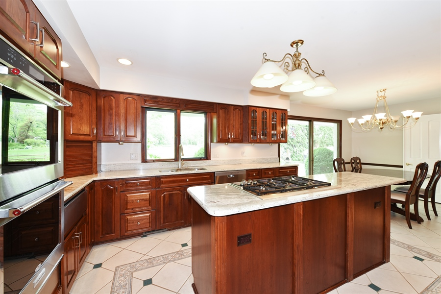 Real Estate Photography - 82 Baybrook Lane, Oak Brook, IL, 60523 - Kitchen