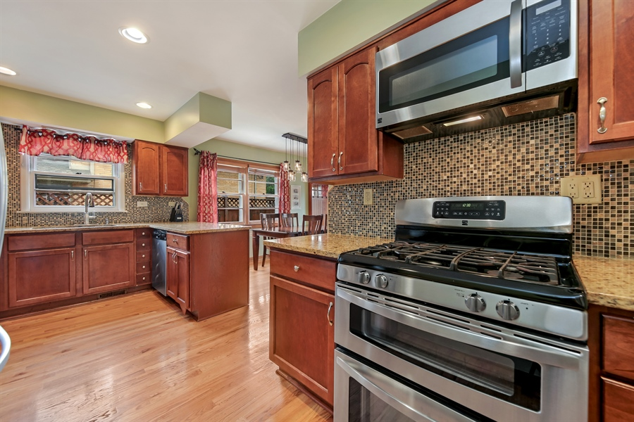 Real Estate Photography - 129 Bassford Avenue, La Grange, IL, 60525 - Kitchen